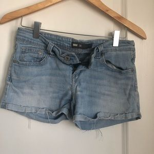 Levi's lightwash Jean shorts
